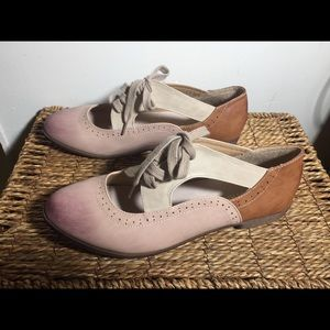 *NWOT* Restricted Vintage Oxford Style Flats